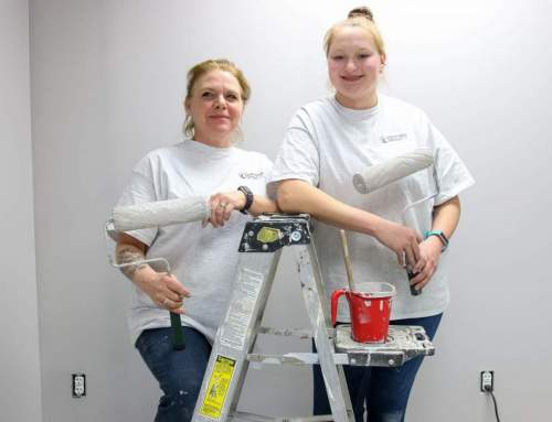 Painting at Don Sanderson –  State Farm in New Ulm